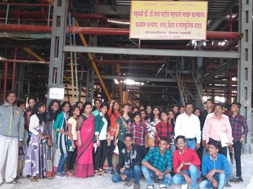 Representative of Nehru Yuva Kendra communicating with college students